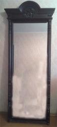 Продам зеркало антикварное в резной раме,  высота 2 метра.